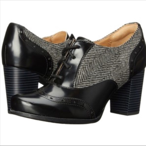 Clark's artisan women's Ciera brine Oxford shoes.